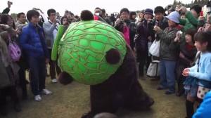 【ゆるキャラ対決】くまモンVSメロン熊