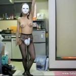 白鳥パンツでセクシーダンス!