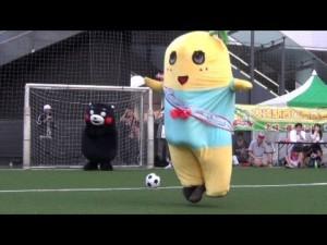 【ゆるキャラサッカー対決!】ふなっしーvsくまモン